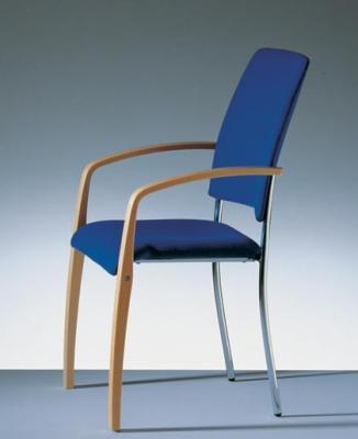 Seniorenst hle muenchen stuhl fuer senioren for Hoher stuhl mit armlehne